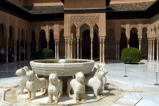 10 Granada Alhambra Löwenhof 555x370 - Andalusien 2014