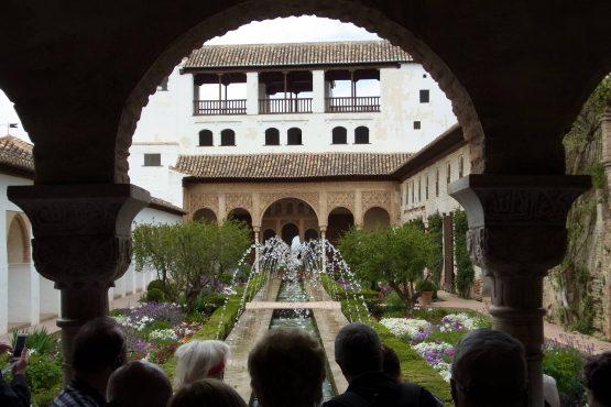 11 Granada Generalife R0015983 555x370 - Andalusien 2014