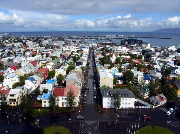 2 Reykjavik Blick auf die Altstadt R0010274 600x447 - Norddeutschland 2019