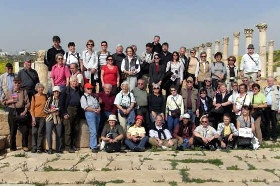 2010 gruppenfoto Jordanien 1 555x370 - Gruppenfotos