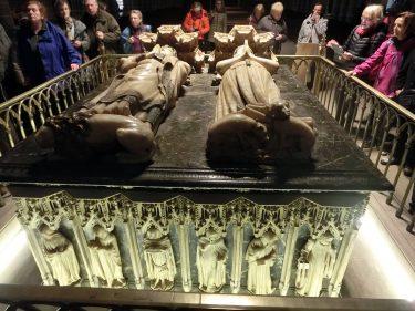 2016 Jakobsweg 05 Pamplona Catedral Santa Maria Sarkophag Karl und Leonor von Kastilien 1 375x281 - Jakobsweg 2016