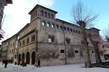 2016 Jakobsweg 13 Estella Palast der Könige von Navarra 375x250 - Jakobsweg 2016