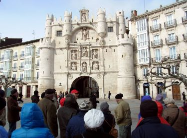 2016 Jakobsweg 26 Burgos Arco de Santa Maria 375x277 - Jakobsweg 2016