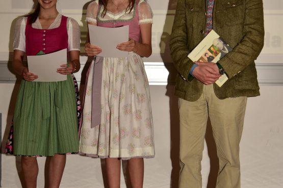 21 Wartingerfeier 2020 Preisträgerinnen BG BRG Stainach 555x370 - Verleihung Wartinger- und Tremelmedaille 2020