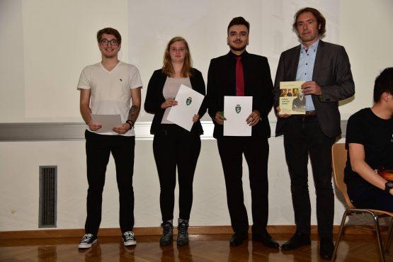 22 Wartingerfeier 2020 Preisträger und Preisträgerin BHAK Grazbachgasse Graz 555x370 - Verleihung Wartinger- und Tremelmedaille 2020