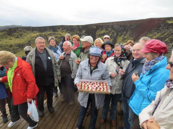 25 Krater Grábrók Geburtstagsfeier IMG 2451 600x450 - Norddeutschland 2019
