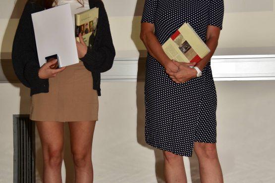 25 Wartingerfeier 2020 Tremel Medaillen Preisträgerin Akira Pucher mit Mag. Dr. Martina Pfistermüller Czar 555x370 - Verleihung Wartinger- und Tremelmedaille 2020
