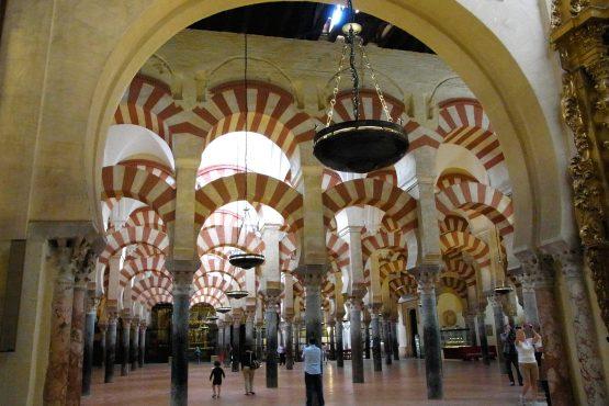 27 Cordoba Mezquita R0016572 555x370 - Andalusien 2014