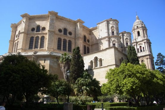 2 Malaga Kathedrale R0015648 555x370 - Andalusien 2014
