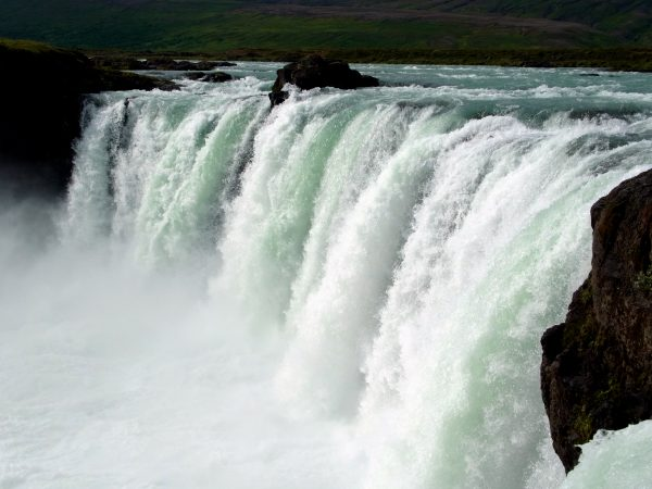 34 Wasserfall Goðafoss R0011408 600x450 - Norddeutschland 2019
