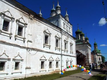 35 Pereslawl Salesski Bergkloster Maria Himmelfahrtskirche R0020058 375x281 - Moskau 2014