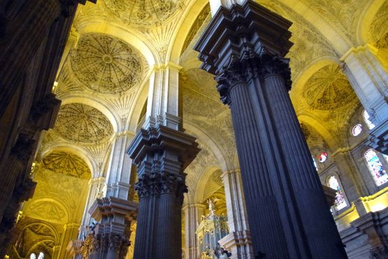3 Malaga Kathedrale R0015618 555x370 - Andalusien 2014