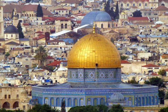 41 Jerusalem Altstadt Felsendom Grabeskirche RL P1230480 555x370 - Israel 2015