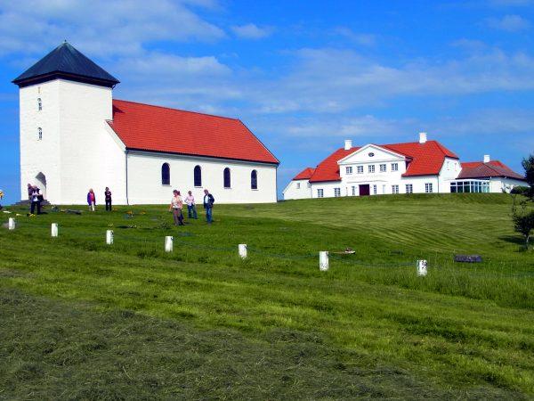 64 Präsidentensitz Bessastaðir R0012523 600x450 - Norddeutschland 2019
