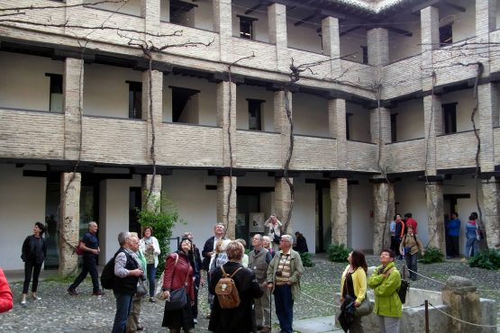 6 Granada Haus der Kohle R0015786 555x370 - Andalusien 2014