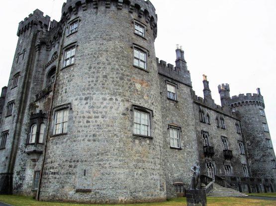 Fahrten 2018 Irland 09 Kilkenny Castle RFH 555x416 - Irland 2018