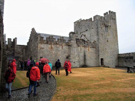 Fahrten 2018 Irland 12 Cahir Castle RFH 555x416 - Irland 2018