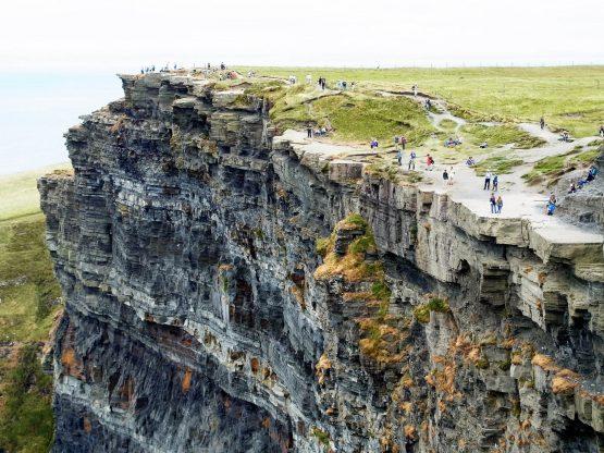 Fahrten 2018 Irland 28 Cliffs of Moher RFH R0042577 555x416 - Irland 2018