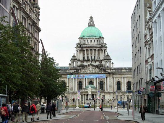 Fahrten 2018 Irland 57 Belfast Rathaus RFH R0043229 555x416 - Irland 2018