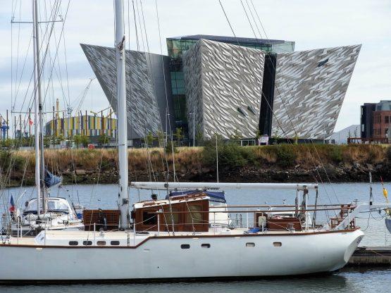 Fahrten 2018 Irland 65 Belfast Titanic Belfast RFH R0043296 555x416 - Irland 2018