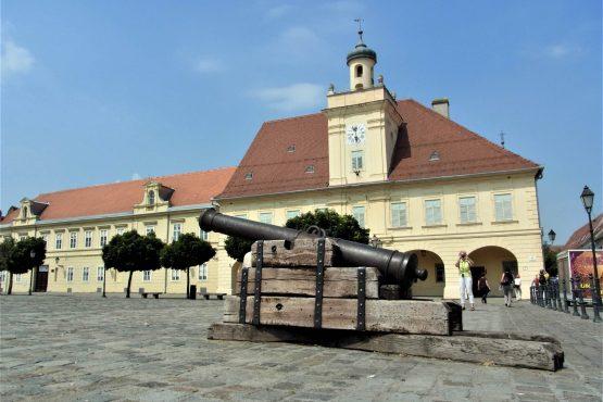 Fahrten 2018 Serbien 07 Essek Festungszentrum RFH R0041268 555x370 - Habsburgisches Serbien 2018