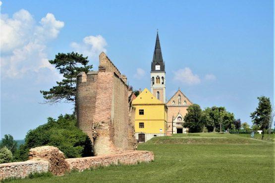 Fahrten 2018 Serbien 09 Ilok Festung Franziskanerkirche RFH R0041291 555x370 - Habsburgisches Serbien 2018