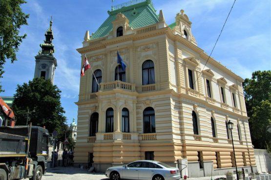 Fahrten 2018 Serbien 38 Belgrad Österreichische Botschaft RFH R0041687 555x370 - Habsburgisches Serbien 2018