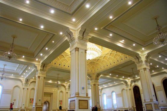 Fahrten 2019 Oman 39 Salalah Sultansmoschee RFH R0045059 555x370 - Oman 2019
