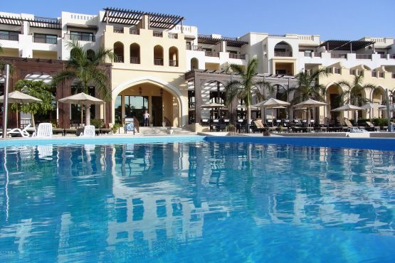 Fahrten 2019 Oman 52 Salalah Hotel Fanar RFH R0045204 555x370 - Oman 2019