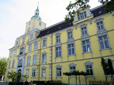 Fahrten 2019 WD 14 Oldenburg Schloss RFH R0047691 375x281 - Norddeutschland 2019