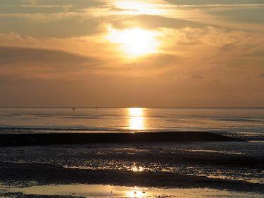 Fahrten 2019 WD 25 Cuxhaven Nordseesonnenuntergang RFH R0047908 375x281 - Norddeutschland 2019