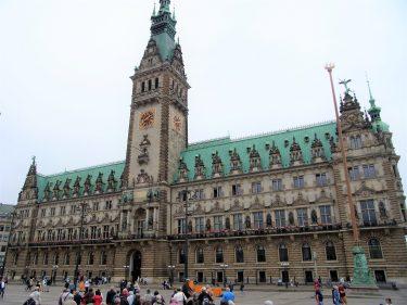 Fahrten 2019 WD 27 Hamburg Rathaus RFH R0047969 375x281 - Norddeutschland 2019