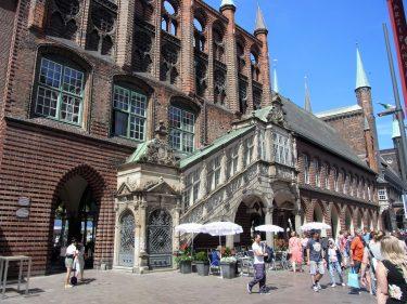 Fahrten 2019 WD 49 Lübeck Rathaus RFH R0048300 375x281 - Norddeutschland 2019