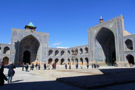 Fahrten Iran 2017 01 Isfahan Imam Moschee 555x370 - Iran 2017