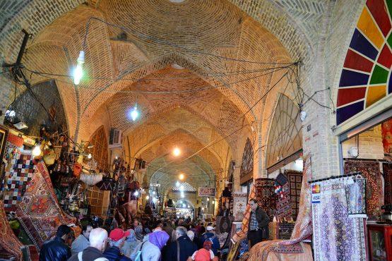 Fahrten Iran 2017 15 Shiraz Wakil Bazar 555x370 - Iran 2017