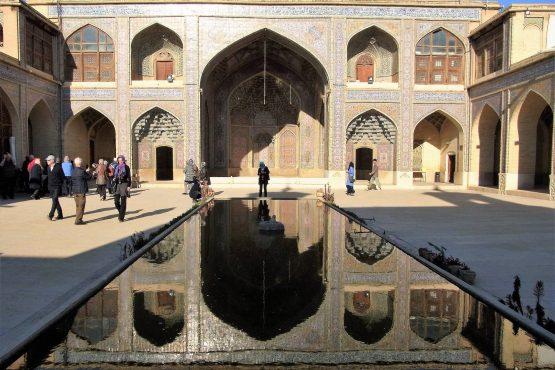 Fahrten Iran 2017 17 Shiraz Nasir ol Molk Moschee 555x370 - Iran 2017