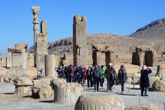 Fahrten Iran 2017 21 Persepolis Hundert Säulen Palast 555x370 - Iran 2017
