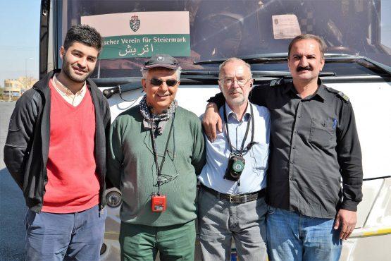 Fahrten Iran 2017 31 Yazd Frontmänner David Ahmad Ali Robert Reza 555x370 - Iran 2017