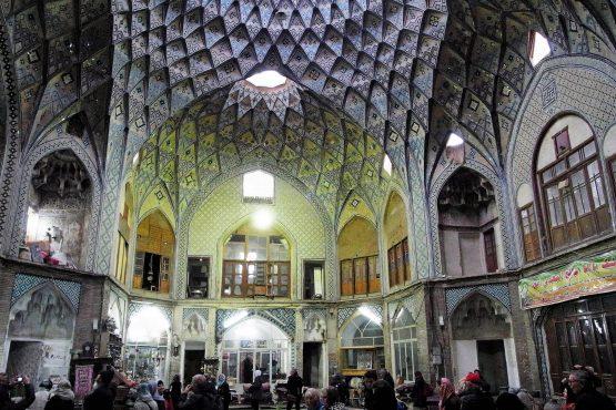 Fahrten Iran 2017 40 Kashan Bazar 555x370 - Iran 2017