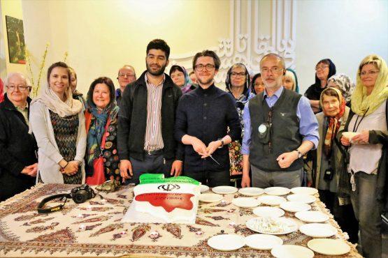 Fahrten Iran 2017 52 Teheran Teppichmuseum Geburtstag Markus Hausmann 555x370 - Iran 2017