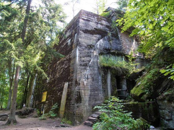 Fahrten Polen 2017 19 Wolfsschanze Hitler Bunker 555x416 - Polen 2017