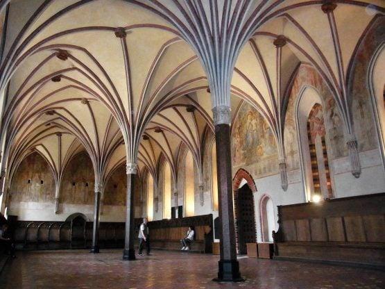 Fahrten Polen 2017 55 Marienburg Hochburg Kapitelsaal 555x416 - Polen 2017