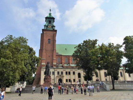 Fahrten Polen 2017 64 Gnesen Kathedrale 555x416 - Polen 2017