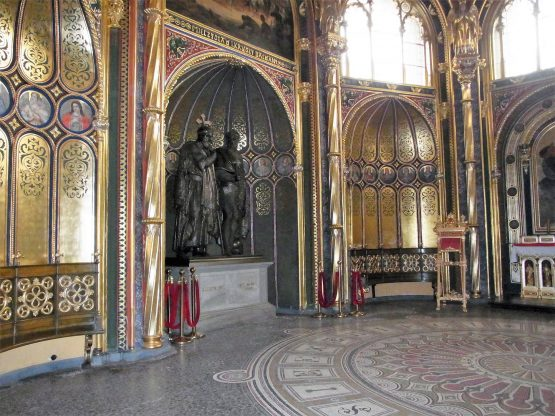 Fahrten Polen 2017 70 Posen Dominsel Kathedrale Goldene Kapelle 555x416 - Polen 2017