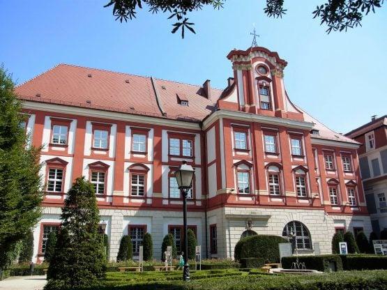 Fahrten Polen 2017 74 Breslau Ossolineum ehem. Matthiasstift 555x416 - Polen 2017