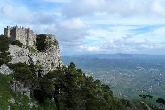 Fahrten Sizilien 2018 39 Erice Castello Pienn P1130946 555x370 - Sizilien 2018