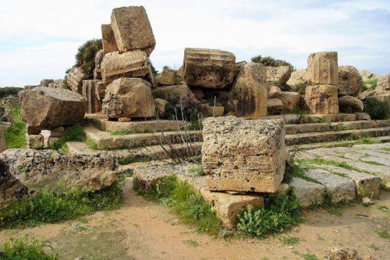 Fahrten Sizilien 2018 45 Selinunte Akropolis RFH R0039722 555x370 - Sizilien 2018
