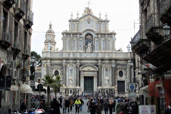 Fahrten Sizilien 2018 77 Catania Dom RFH R0040493 555x370 - Sizilien 2018