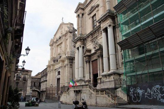 Fahrten Sizilien 2018 79 Catania Via Crociferi RFH R0040526 555x370 - Sizilien 2018