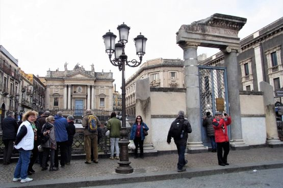 Fahrten Sizilien 2018 82 Catania Amphitheater RFH R0040542 555x370 - Sizilien 2018